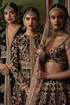 What beauties draped in Sabyasachi's bridal wear on rent collection at Flyrobe? Do you want to steal any of these looks? Rent bridal wear from Flyrobe and made beautiful and heavenly memories to cherish forever. India Fashion, Asian Fashion, Fashion 2016, Fashion Beauty, Fashion Outfits, Indian Dresses, Indian Outfits, Pakistani Dresses, Moda India