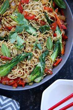 Easy Asian Stir-Fry Noodles - PaleOMG Gluten Free Ramen Noodles, Stir Fry Noodles, Paleo Recipes, Asian Recipes, Whole Food Recipes, Asian Stir Fry, Clean Eating, Healthy Eating, Eating At Night