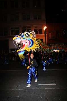 how to make a chinese dragon for a parade