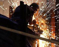 Desemprego cai em novembro para 7,5%, segundo o IBGE (foto: EPA)