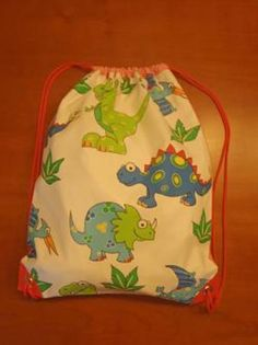 Mochila infantil dinosaurios Baby Dino, Dinosaur Birthday Party, Baby Shower, Easy Bag, Crochet Tote, Dinosaurs, Tote Bags, Cotton Canvas, Baskets