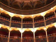 Il teatro comunale F.Torti