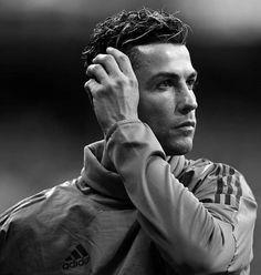 Cristano Ronaldo, Ronaldo Football, Cristiano Ronaldo Juventus, Cristiano Ronaldo Cr7, World Best Football Player, Soccer Players, Portugal National Team, Cristiano Ronaldo Wallpapers, Hispanic Men