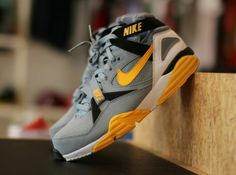 Shopping For Men's Sneakers. Do you need more information on sneakers? Then simply simply click right here for more info . Relevant information. Running Sneakers, Running Shoes For Men, Sneakers Nike, Yellow Sneakers, Mens Running, Bo Jackson, Nike Motivation, Nike Air, Sneakers N Stuff