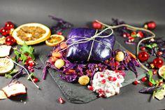 Blau Weihnachtspäckchen mit Linsen-Maroni-Füllung