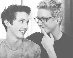 This is why I ship #troyler (TroyeSivan and TylerOakley)