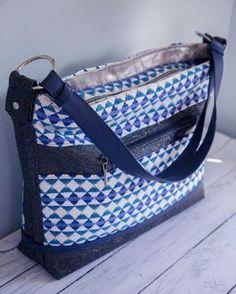 Patron couture :Le sac à main Céleste Lv Handbags, Louis Vuitton Handbags, Fashion Handbags, Louis Vuitton Damier, Coin Couture, Couture Sewing, Couture Main, Diy Bags Purses, Hermes Bags