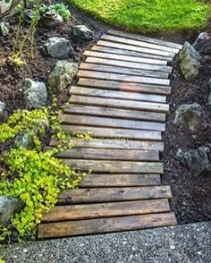 wood walkway all prettied up again GORGEOUS pallet wood walkway from Funky Junk Interiors!GORGEOUS pallet wood walkway from Funky Junk Interiors!