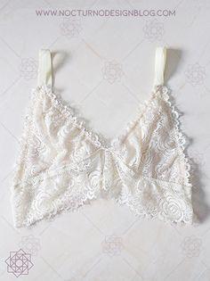 Costura fácil: Bustier en encaje. – Nocturno Design Blog Baby Girl Poses, Design Blog, Summer Bikinis, Corset, Camisole Top, Lingerie, Fancy, Tank Tops, Sewing
