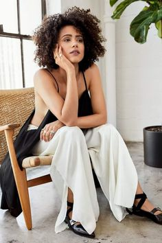World Ethnic & Cultural Beauties Game Of Thrones Merchandise, Nathalie Emmanuel, Bad Girls Club, Beautiful Black Girl, Beautiful Women, Star Wars, Sansa Stark, Mother Of Dragons, Pure Beauty