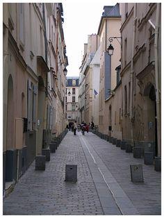 Paris rue rollin