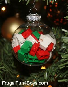 Lego Christmas ornament ideas - Who knew how pretty some Lego bricks inside a clear ball ornament could be?