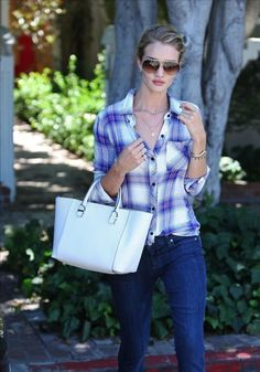 Rosie Huntington-Whiteley casual street style.