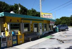 CHEAP EATS--B, L, D  Harriet's Restaurant in Key Largo