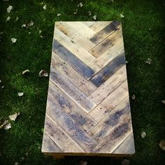Hey, I found this really awesome Etsy listing at http://www.etsy.com/listing/163730768/herringbone-reclaimed-pallet-wood-table