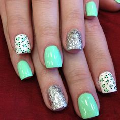 Ive never done mint green nails or this combo of colors so I might try this