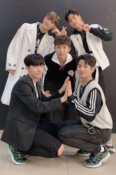 Yg Entertainment, Yoshi, Yg Trainee, Korean Boy Bands, Treasure Boxes, Happy Fun, Ikon, Boyfriend Material, Boy Groups