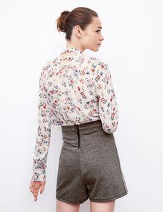 Chemise courte fleuri noir et rose femme • Jennyfer