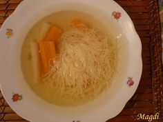tökhúsleves Vegan Soups, Coconut Flakes, Mashed Potatoes, Spaghetti, Spices, Ethnic Recipes, Food, Whipped Potatoes, Spice