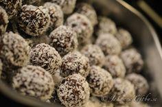 Raw-Chokladbollar med jordnötscrunch