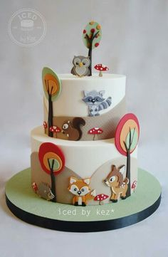 Baby forest animals cake