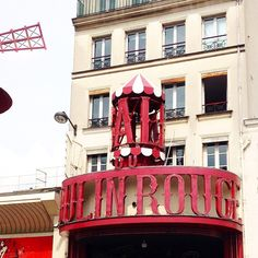 Oh la la! Le Moulin Rouge!