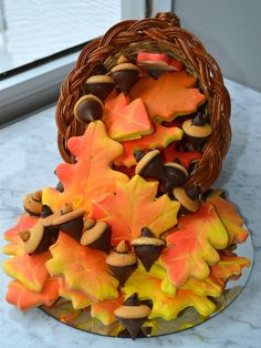 Autumn Leaf Cookies - How to create these beautiful fall leaves and get this faded effect on your cookies.