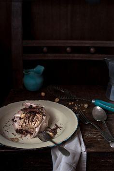 Dark chocolate hazelnut meringue with Mascarpone coffee cream