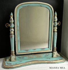 Magia Mia: Before & After: Chippy Chalk-Painted Aqua Dresser Mirror Glazing Furniture, Cream Furniture, Chalk Paint Furniture, Decoupage Furniture, Bathroom Furniture, Aqua Dresser, Dresser With Mirror, Mirror Painting, Chalk Paint Mirror