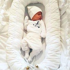 Nyt se on täällä! Laadukkaasti Suomessa tehty vauvan unipesä. :) www.bebiboo.fi #bebiboofinland #vauva #babynest #babyshower #unipesä #vauvanpesä