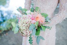 _DSC2208 Portrait, Glass Vase, Floral Wreath, Photos, Bouquet, Pastel, Wreaths, Table Decorations, Bridal