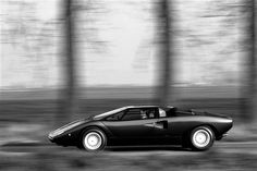 "luimartins:  ""Countach LP400  """
