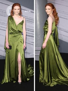 Poldark's Eleanor Tomlinson turns heads as she flashes plenty of cleavage in plunging gown Photo: Eleanor Tomlinson