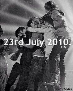 I know I'm late but I haven't had my phone. I feel so bad now but I still love all you Directioners and 1D. Sorry for being so late!! #4YearsOf1D ♡