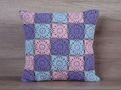 Cool crochet coussin coloré pastel rose bleu par AdorningPillows