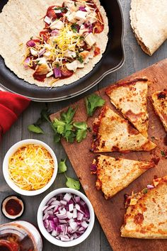 These BBQ Chicken Quesadillas are a fun twist on traditional quesadillas. Made with chicken breast, BBQ sauce, cheese, red onion and cilantro on a high fiber whole wheat tortilla. Ww Recipes, Skinny Recipes, Mexican Food Recipes, Chicken Recipes, Cooking Recipes, Healthy Recipes, Ethnic Recipes, Skinnytaste Recipes, Lunch Recipes