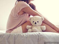sad-alone-girl-teddy-bear-bed.jpg (600×450)