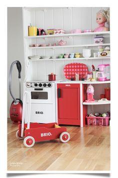 play kitchen..