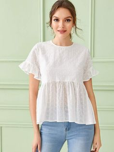 To find out about the Eyelet Embroidery Flounce Sleeve Smock Blouse at SHEIN, part of our latest Blouses ready to shop online today! Dress Sewing Patterns, Blouse Patterns, Kurta Designs, Blouse Designs, Sewing Blouses, Vestidos Vintage, Blouse Styles, Casual Tops, Types Of Sleeves