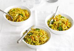 Our nutritionist has put together seven nights of healthy and seriously cheap family meals. These delicious, child-friendly recipes have been hand-picked to take into account the nutritional needs of the entire family. Healthy Pastas, Healthy Recipes, Cheap Recipes, Healthy Suppers, Fun Recipes, Family Recipes, Bbc Good Food Recipes, Cooking Recipes, Yummy Food