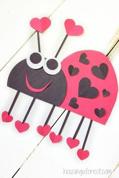 35 Adorable Valentine's Day Crafts For Kids - crafts for kids Arts And Crafts For Teens, Art And Craft Videos, Valentine's Day Crafts For Kids, Toddler Crafts, Fun Crafts, Preschool Valentine Crafts, Valentines Day Party, Valentines For Kids, Valentines Day Crafts For Preschoolers