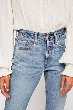Women Jeans Outfit Red Tank Top Smart Casual Suit Casual Gym Outfits Flannel Pants Black Denim Jeans Jeans And Heels Outfit Wide Jeans, White Ripped Jeans, Black Denim Jeans, Trouser Jeans, Skinny Jeans, Levis Jeans, Cropped Jeans, Outfit Jeans, Jeans Outfit Summer