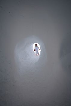 I always wanted to build snow tunnels as a kid!