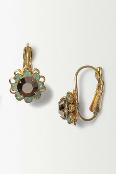 Discover Anthropologie's inspired collection of women's fashion, accessories and home decor. Shop covetable clothing, furniture, beauty, gifts & more. Jewelry Gifts, Jewelry Box, Jewellery, Liz Palacios, Uk Fashion, Womens Fashion, Deep Autumn, Anthropologie Uk, Daisy