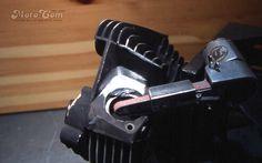 【No.07】 溶接で埋めたところを 純正に見えるように丁寧に削っていきます。ベルトサンダーを使っています。 Next→No.08 #motorcycle #harley #evo #repair #head #screw #bolt #バイク #ハーレー #エボ #修理 #ヘッド #ネジ #ボルト