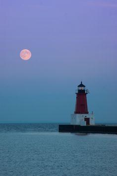 Moonrise - Menominee Lighthouse, Michigan