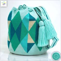 Wayuu bag one strand model Susu accessories oldSold out - Top Trends Tapestry Bag, Tapestry Crochet, Crochet Chart, Knit Crochet, Mochila Crochet, Tribal Patterns, Boho Bags, T Shirt Yarn, Knitted Bags