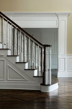 ML Interiors, millwork around door would be great for above my bay window - My-House-My-Home Coastal Bedrooms, Coastal Living Rooms, Interior Trim, Interior Design, Casa Milano, Moldings And Trim, Crown Moldings, Door Molding, Panel Moulding