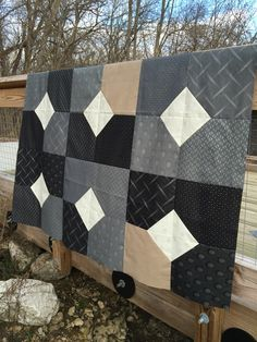 Easy Big Block Quilts Easy Big Block Quilt Patterns Free Layers Of Charm Quilt Pattern Or Mogo Planted Seed Designs - Easy Quilt Patterns For The Newbie Quilter Easy Big Block Quilt Patterns Free Easy Big Block Quilts. Layer Cake Quilt Patterns, Charm Pack Quilt Patterns, Layer Cake Quilts, Modern Quilt Patterns, Fat Quarter Quilt Patterns, Quilts For Men Patterns, Modern Quilting, Layer Cakes, Colchas Quilt