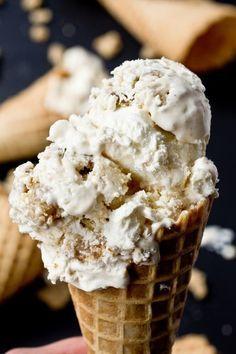 No-churn vanilla ice cream filled with the best coffee cake crumb topping and brown sugar cinnamon swirls.